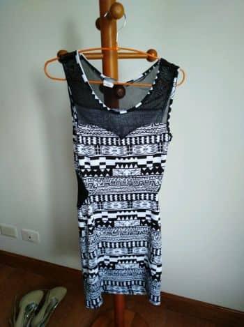 Vestidos tribales blanco y negro