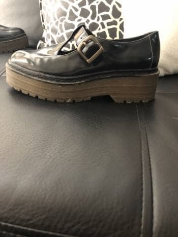 Zapatos tipo mafalda Pull and bear