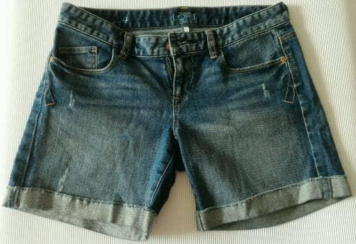 Short azul media pierna