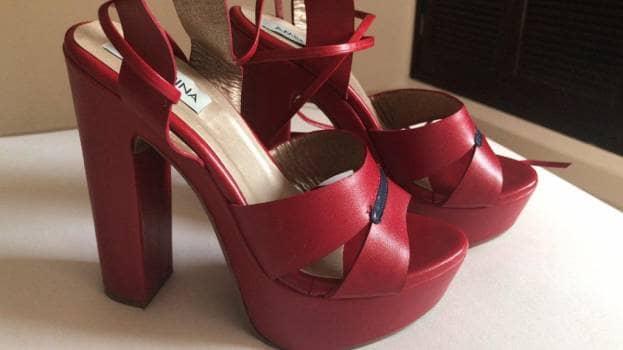 Tacones 100% cuero Rojos nuevos !