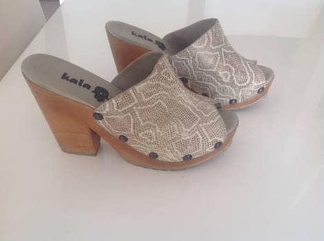 Zapatos Zuecos en  Cuero KALA Talla 40
