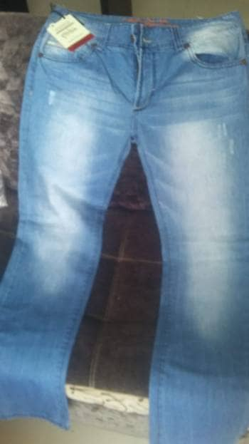Hermoso jean para hombre