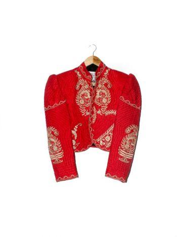 Blazer rojo con bordado